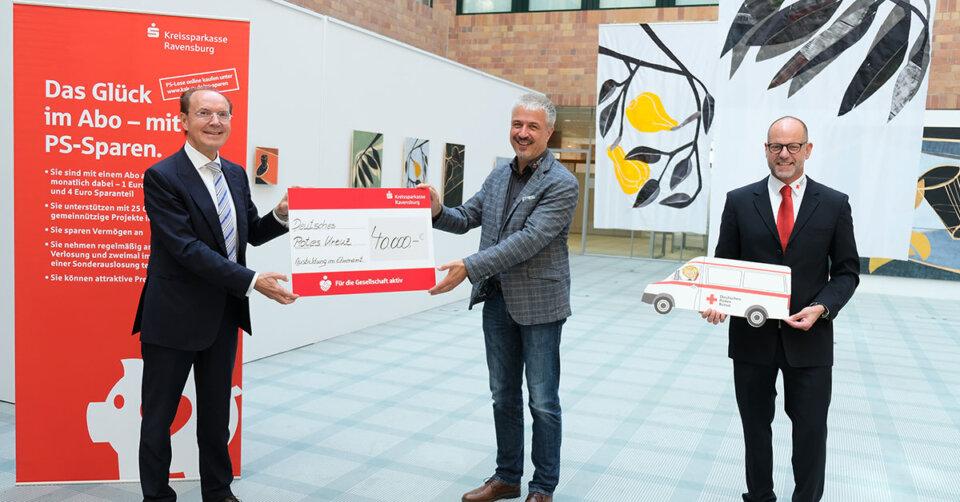 40.000 Euro Spende für das Deutsche Rote Kreuz: Sparen, Gutes tun und gewinnen!