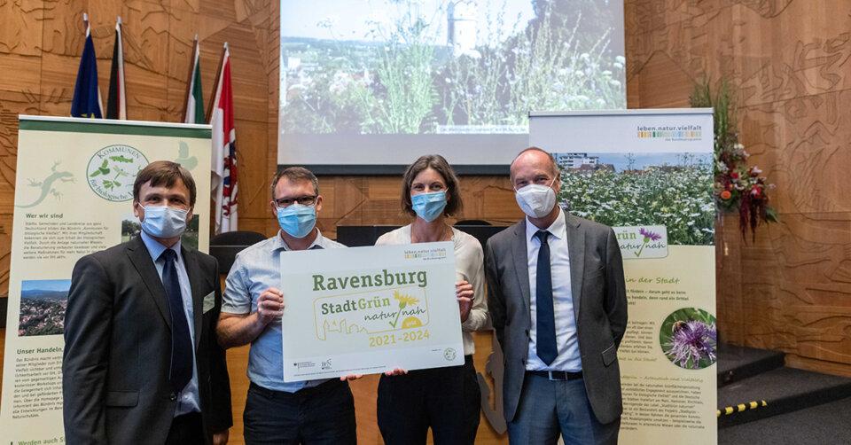 """Ravensburg mit dem Label """"StadtGrün naturnah"""" in Gold ausgezeichnet"""