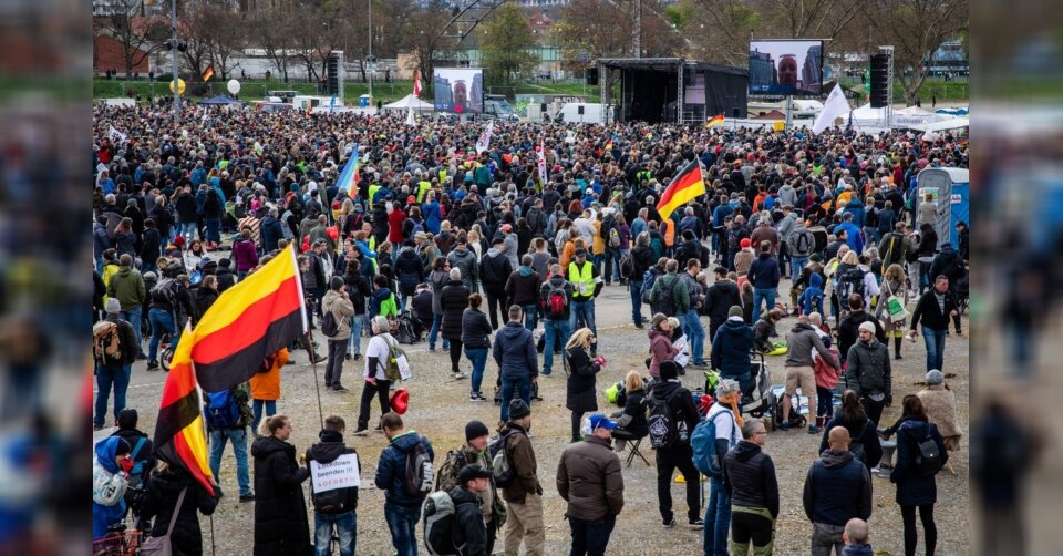 Stuttgart verbietet nächste «Querdenker»-Demos