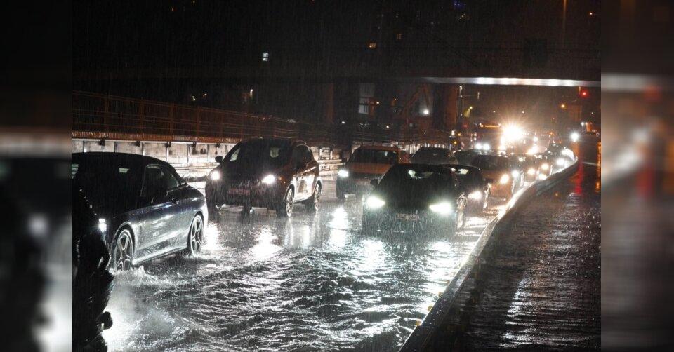 Überschwemmung am Stuttgarter Hauptbahnhof