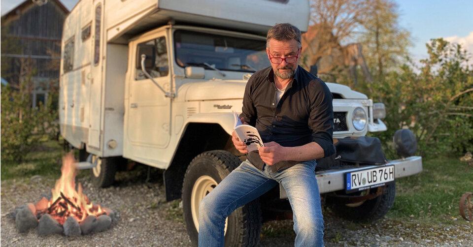 Werden Sie Teil eines kleinen Abenteuers: Live-Lesung mit Boettcher & Kondschak im Hoftheater