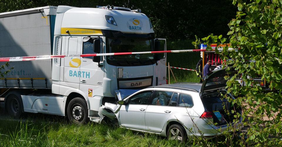 Schwerer Verkehrsunfall bei Bad Waldsee: Kleinkind stirbt
