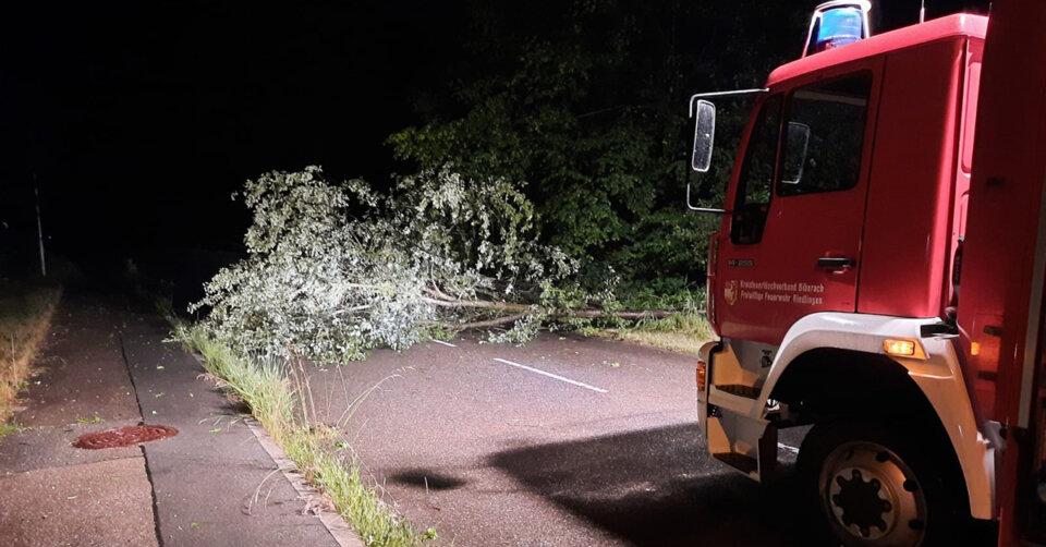 Unwetter sorgen für eine turbulente Nacht bei den Feuerwehren