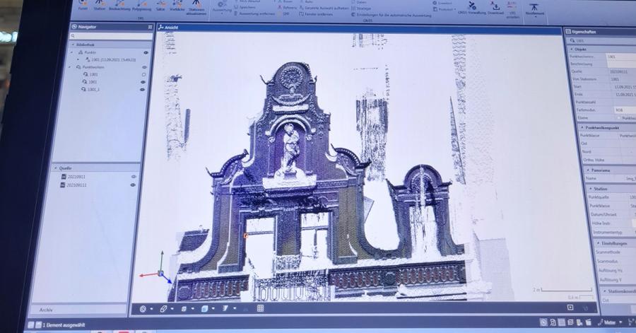Mit einem speziellen Laser und einem Programm konnte die kunsthistorische Madonnafigur sowie die Gebäudefasse für eine Rekonstruktion dreidimensional gesichert werden.