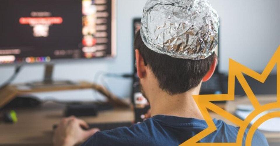 Vielen Jugendlichen begegnen Verschwörungstheorien im Netz – Die Polizei gibt Tipps