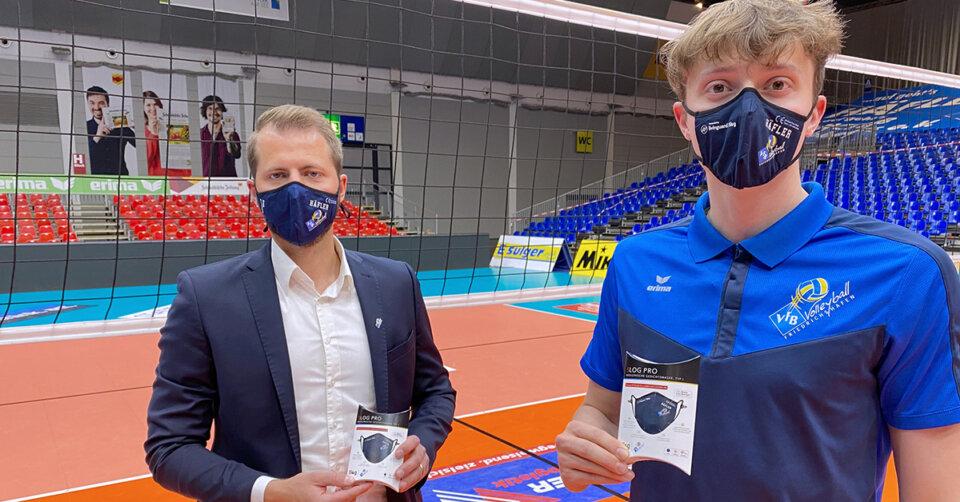 """VfB-Volleyballer schützen sich mit Masken von """"5log"""""""