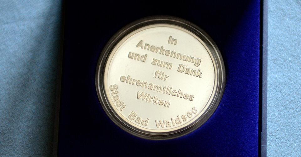 Ehrenamtsmedaille an Hermann Geßler, Ulrich Bamann und Karl Emmendörfer verliehen