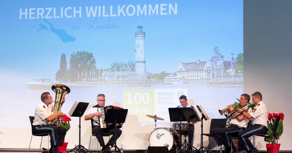 Sorgte für die musikalische Umrahmung beim Festakt in der Inselhalle: ein Ensemble des Polizeiorchesters Bayern