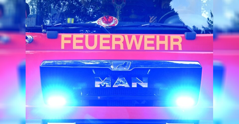 Waschmaschine löst Wohnungsbrand aus: Drei Verletzte