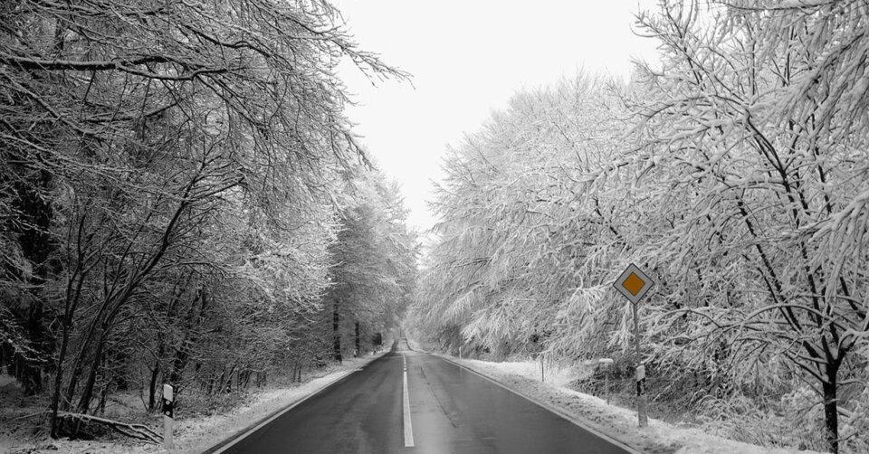 Wetter-Update: Wintereinbruch mit Schnee, Nachtfrost und akuter Glättegefahr!