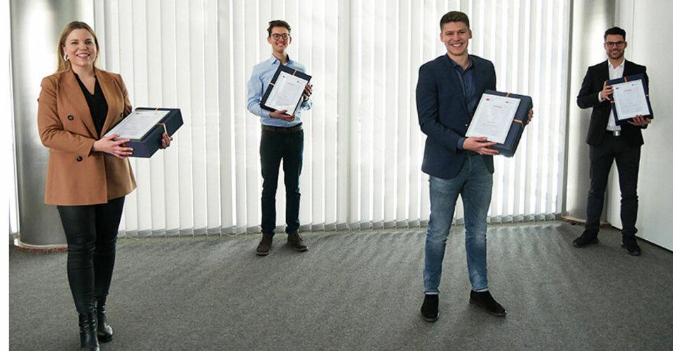 24 Absolventen freuen sich über den Biberacher Wirtschaftspreis