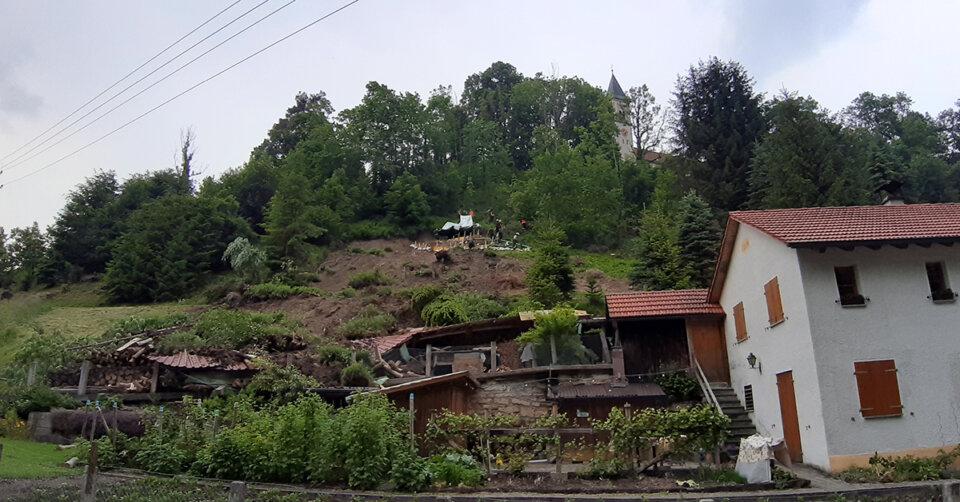 Wohnhaus evakuiert: Hangrutsch in Wolfegg-Alttann