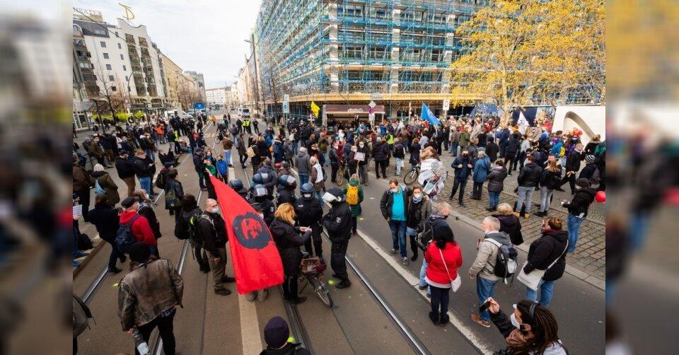 Zahlreiche Proteste in Deutschland gegen Corona-Politik