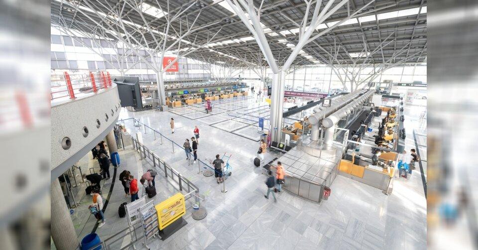 Zucker und Backpulver in Flaschen: Airport gesperrt